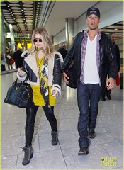 FFN_IMAGE_51017862|FFN_SET_60060489 (BlackEyedPeasPhotos) Tags: london hat sunglasses airport unitedkingdom bluejeans blondehair fergie yellowshirt whiteshirt baseballcap buttondownshirt blackleatherjacket joshduhamel blackhandbag blackleatherpants