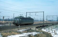 2240  Antwerpen - Nord  16.01.82 (w. + h. brutzer) Tags: analog train 22 nikon eisenbahn railway zug trains locomotive belgien lokomotive elok eisenbahnen sncb eloks webru antwerpennord