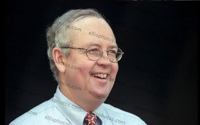 Independent Prosecutor Kenneth Starr