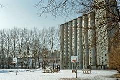 An old grain silo (ekvator13) Tags: winter oslo canona1 grnerlkka grainsilo fujicolorpro400h