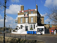 The White Cross Pub, Richmond - London. (Jim Linwood) Tags: england london bar pub inn richmond tavern whitecross