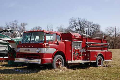 Bean Equipt Ford 850 Custom Cab Fire Truck