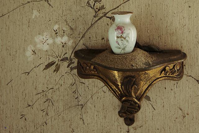 maison de la grande georges little vase