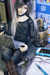 study or distraction buddy-_- (j_rhapsodies) Tags: bjd volks scarface reisner sd17