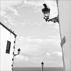 illumination (ati sun) Tags: street sea lamps lantern lapalma