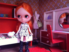 Bedroom (Juther) Tags: orange girl toy toys bigeyes miniature bedroom eyes doll dolls factory furniture room retro blythe custom diorama dollhouse blythedoll dollfurniture taobao customblythe faceup customdoll factorygirl customgirl dollsroom factorycustom toysarealive