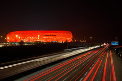 Allianz Arena - Champions League (hjuengst) Tags: longexposure red rot night munich mnchen football nightshot stadium soccer 40 stadion fcbarcelona allianzarena langzeitbelichtung fcbayern fusball fussballstadion halbfinale rotrossorougerood nikond7000hdr