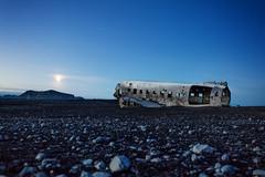 17171 Douglas R4D-8 (Super DC-3) United States Navy (Andreas Eriksson - VstPic) Tags: thedouglasr4d8usnavytransportplanehaddeliveredsuppliesathofnhornafjrdurairportfortheradarstationinstokksnes icelandenroutetheairplaneencounteredsevereicingthecrewwerenotabletomaintainaltitudeaforcedlandingwascarriedoutonanicecoveredriveronnearcoastoficelandtheicebrokebuttheairplanedidnotsink 17171 douglas r4d8 super dc3 united states navy