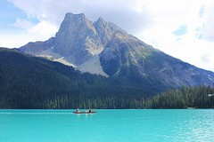 Emerald Lake (Eduardo Ruiz M.) Tags: emerald lake landscape outdoors outdoor yoho rockies canada mountain park canoeing nature