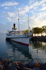 Bateau  quai - Lman (Katu Beltza Euskadi) Tags: bateau boat lman lac lake leman soleil sun lumires lights lausanne vaud suisse switzerland