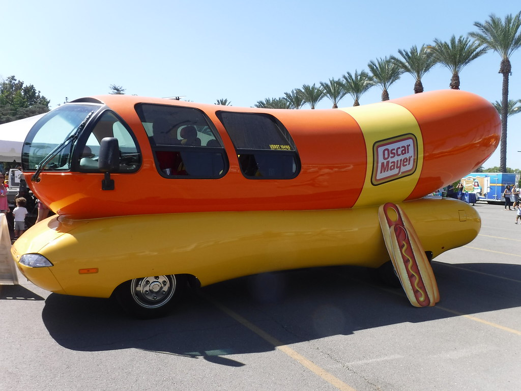 Mayer 2Coscar as well Productmobiles blogspot furthermore Most Weird And Unusual Cars additionally Mayer 2Coscar further Mayer 2Coscar. on oscar mayer weinermobile snow