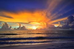 Beach Sunrise (dubrick321) Tags: beach sunrise floridasunrise oceansunrise nature oceanview clouds sunrays beachsunrise