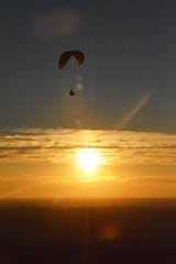 DSC_1693 (JustineChrl) Tags: sunset coucher de soleil auvergne france puydedome volcan montagne nature landscape paysage colors orange red blue sky clouds sun parapente parasailing nikon nikond3200 out