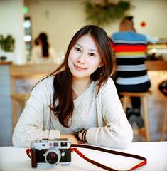 . (Da✞a) Tags: portrait people girl bokeh taiwan taichung rolleiflex28f zeissplanar80mmf28 kodakportra400 nikoncoolscan9000ed