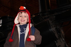 Theo in fron of the 0-8-0 (vacca_rabite) Tags: kids train war civil bo museam memnon 080