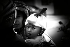 Chicken Run, Indonesia, Salatiga (Ordinary_Folk) Tags: street travel people chicken yellow pen children indonesia photography kid child bokeh f14 documentary social olympus bicycles mc 40mm nokton ep2 vm salatiga motrbike voitlander
