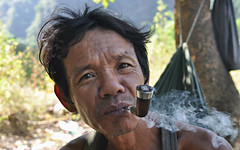 Pipe smoker - Pan-an, Karen State, Myanmar (Mike PIRES DA SILVA) Tags: street portrait face asia karen myanmar paan pipesmoker