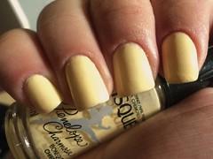 Bonequinha Charmosa, Risqué (thaisfartes) Tags: yellow nail amarelo nails nailpolish unhas risque unha esmaltes esmalte
