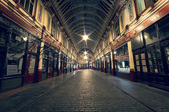 Leadenhall Market (murphyz) Tags: city light london night leadenhallmarket cobbles londonist