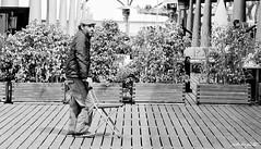 El artista cazado (jabbfoto) Tags: barcelona blancoynegro ed pentax da callejeras robados f458 55300mm pentaxda55300mmf458ed jabbfoto