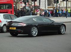 Aston Martin Rapide (kenjonbro) Tags: uk england black westminster rear trafalgarsquare charingcross astonmartin hatchback sw1 5door rapide 2011 liftback worldcars kenjonbro fujifilmfinepixhs10 mx11puj
