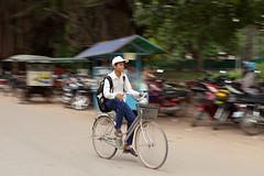 (mariuszpe) Tags: street travel people cambodia siemreap f28 2470mm 5dmk2 mariuszpe mariuszpotyralski