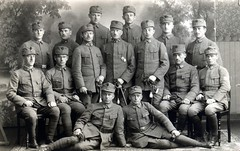 "Members of the Austrian ""Bundesheer"" in Wahl circa 1920 (✠ drakegoodman ✠) Tags: portrait soldier postcard ironcross sabre worldwarone soldiers ww1 nco greatwar firstworldwar kuk austrian corporal worldwar1 weltkrieg germanarmy germansoldier germansoldiers rppc infantrymen troddel"