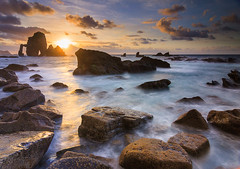 Sin más... (saki_axat) Tags: longexposure seascape water rocks bakio bermeo sanjuandegaztelugatxe canonikos