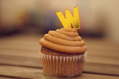 W (Fajer Alajmi) Tags: wood caramel cupcake letter