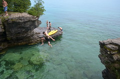 Jumping (Patrick Groh) Tags: door county lake michigan green bay cave point jumping cliff wate water
