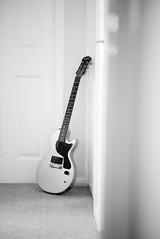 Les Paul Junior (T_J_G) Tags: guitar epiphone les paul off camera flash strobist godox d750 85mm rock pickup house
