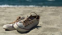 Chucks on the beach (nrdli) Tags: chucks converse beach strand schuhe shoes greece griechenland possidi nikond5200 d5200 nikon outdoor meer sea mediterranean mittelmeer urlaub holiday