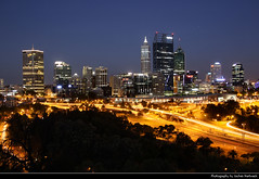 Skyline seen from Kings Park during Blue Hour, Perth, Australia (JH_1982) Tags: skyline cityscape panorama kings park view urban urbanity city light evening dusk dark darkness illuminated buildings night nacht nuit noche notte    cbd perth      western australia wa occidental australieoccidentale occidentale         australien australie australi austrlia    highway long time exposure sky colors colours skyscrapers highrise central business district street streetlight streetlights lights lit cars blue hour blaue stunde