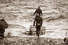 Recolectores de ocle 1 (Fran Roso) Tags: asturias luanco ocle algas recolectores mar cantbrico gozn