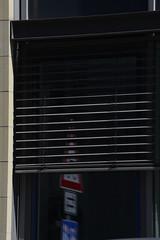 blinds _DSC8590-102ND800 (horstg1) Tags: blinds window trafficsign