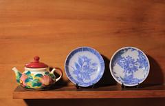Porcelanas 8 (JVaragasC) Tags: porcelana jarron vaca campana taza flores azul soporte decoracin delicado fragil tapa artesania artesano vidrio pintadoamano pintura textura platos