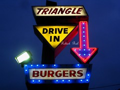 Triangle Drive-In Burgers since 1963 - best Burgers in Fresno (Bob the Real Deal) Tags: california signs fresno nostalgic neonsign neonsigns coolsign canonpowershotsd850is canonsd850 bestburgers triangledriveinburgers