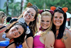 as gatinhas (Rinaldo_) Tags: carnival girls brazil braslia cat df pretty kitty carnaval 2013
