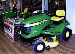 John Deere X300 Riding Mower. (dccradio) Tags: wisconsin mall farming equipment machinery ag agriculture wi agricultural farmequipment farmshow marshfield farmmachinery centralwisconsin shoppesatwoodridge marshfieldmall wisconsinfarming machineryshow agshowagricultureshow