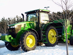 John Deere 7280R Tractor With 468 Silage Special Round Baler. (dccradio) Tags: wisconsin mall farming equipment machinery ag agriculture wi agricultural farmequipment farmshow marshfield farmmachinery centralwisconsin shoppesatwoodridge marshfieldmall wisconsinfarming machineryshow agshowagricultureshow