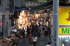 Busy Laneway (Stone Nullah Lane) (Can Pac Swire) Tags: night hongkong market 香港 hongkongisland group100 wanchai 灣仔 johnstonroad 香港島 stonenullahlane 石水渠街 aimg8766 yaufaipaintdye 友暉漆油顏料有限公司 其發大廈