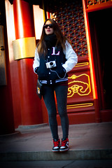 (Choollus) Tags: china winter woman girl beautiful sunglasses skinny temple 50mm donna mujer nikon asia chica hiver femme chinese beijing longhair nike lama tall bella menina inverno fille cina ragazza lamatemple cinese tempio pechino madchen nikond700 yonggehong