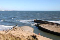 Seaton Sluice harbour entrance 2 (DavidWF2009) Tags: sea harbour seatonsluice