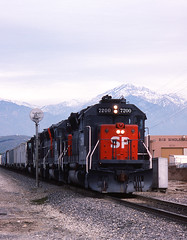 Mt Baldy and GP40Xs (GRNDMND) Tags: california trains sp pomona southernpacific espee emd spadra gp40x sunsetroute
