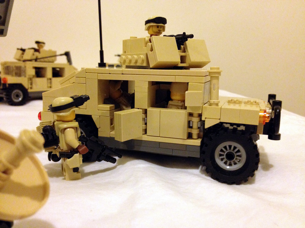0267ee5acba1 From the side (jskaare) Tags  soldier tank desert lego military camouflage  bradley custom