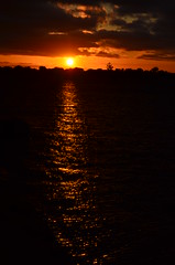 Pr do Sol no Guaba (Camila Messa) Tags: sunset sol rio brasil photography grande nikon do porto 5100 alegre por sul gasometro guaiba