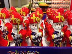 Sinterklaas 4 september 2016 in de supermarkt. (rvanbaalen) Tags: chocolade sinterklaas