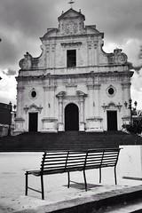 Venerd Santo, Militello, Sicilia (aledagosta) Tags: noperson piazza italia italy church bench panchina vuoto pasqua venerdsanto sicily sicilia chiesa militello