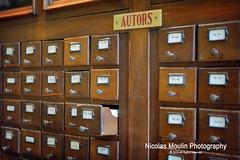 Centro de lectura de Reus (Nicolas Moulin (Nimou)) Tags: libros biblioteca vitrina autores centrolectura reus