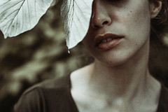cycadea iii (ESPRIT CONFUS) Tags: leaves emotional lips portrait mood
